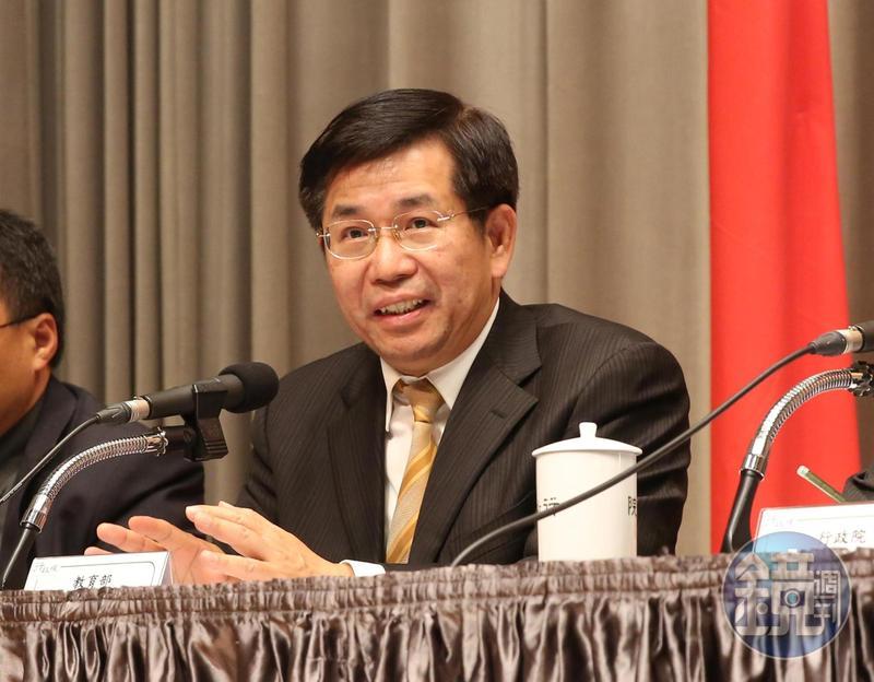 潘文忠表示,會行文學校要求遵循防疫措施。(本刊資料照)