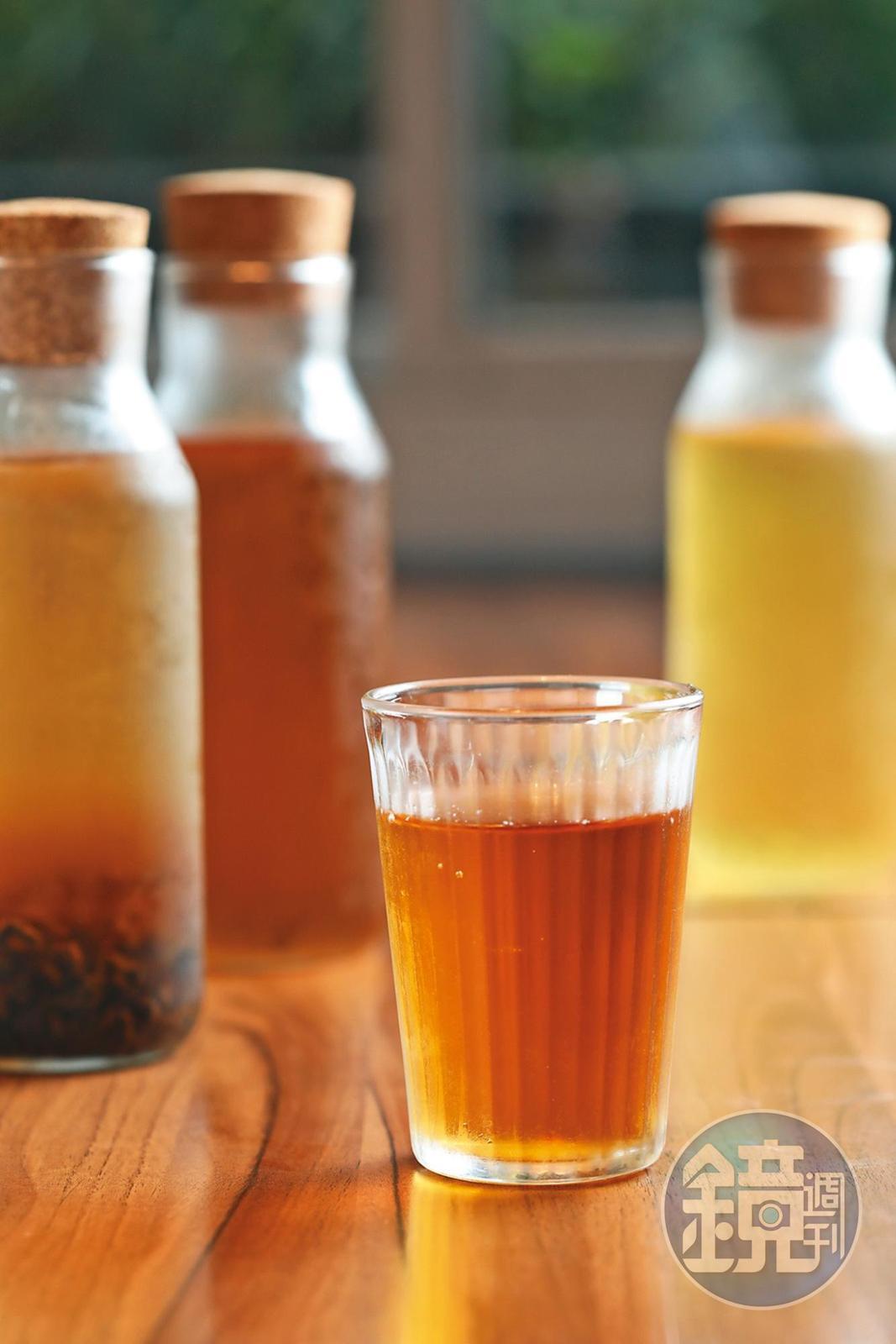 針對年輕人喜好研製的「冷泡茶」,仍保留茶香滋味。(130元/瓶)