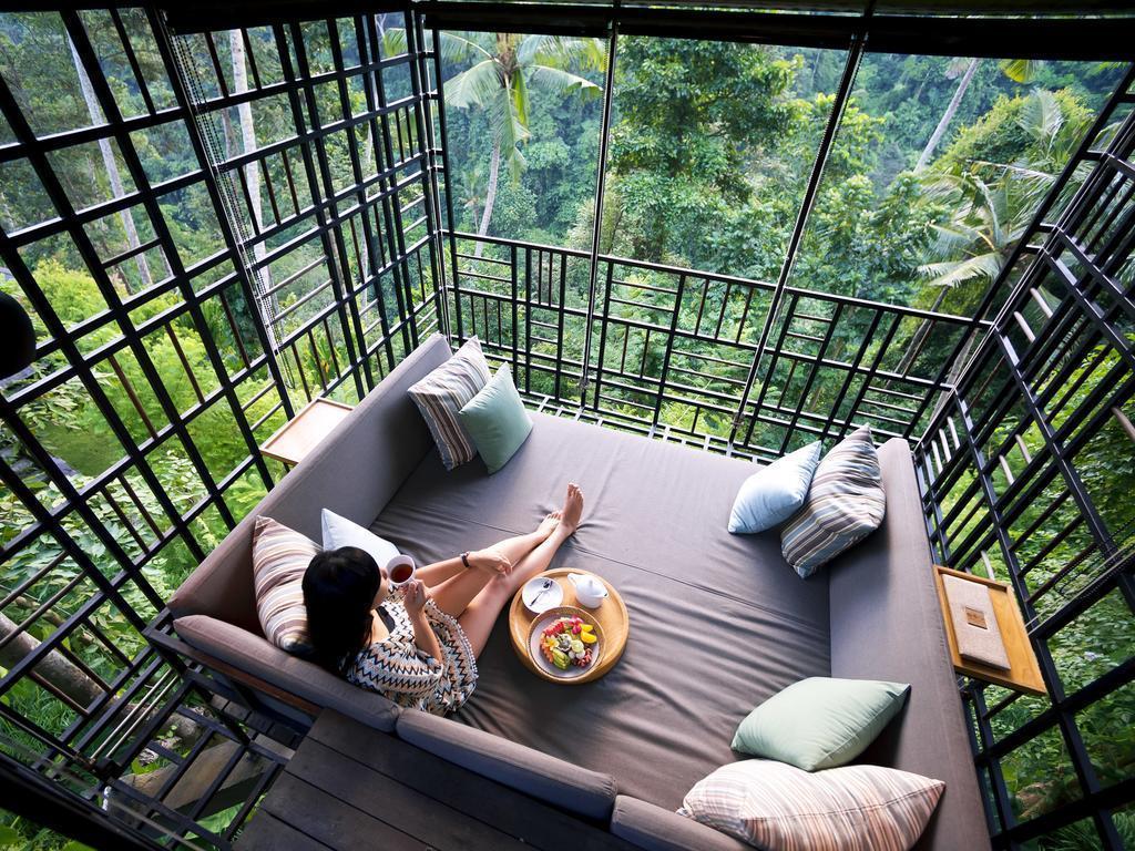 印尼巴厘島「虹夕諾雅旅館」的樹梢客房可俯瞰叢林。(翻攝自Booking.com)