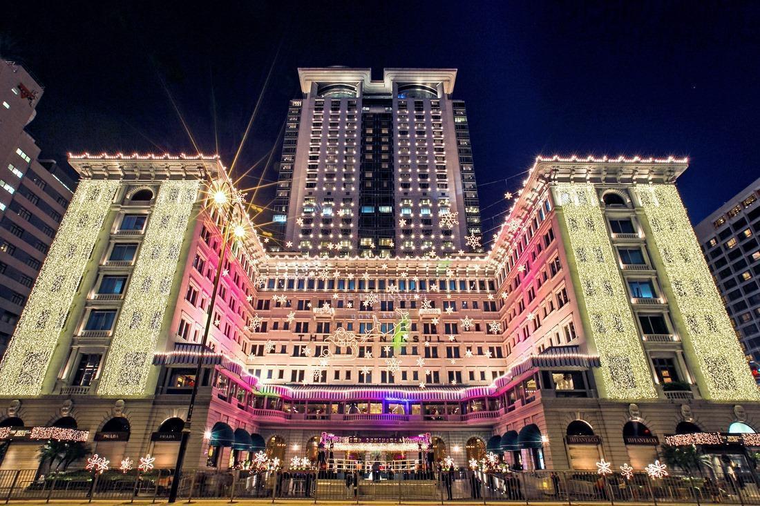 香港「半島酒店」從二次大戰日本入侵,再到1990年代中期擴建30層高塔樓,以及今年民主抗爭和武漢肺炎疫情,它從未因此關門。(翻攝自The Peninsula Hong Kong臉書)