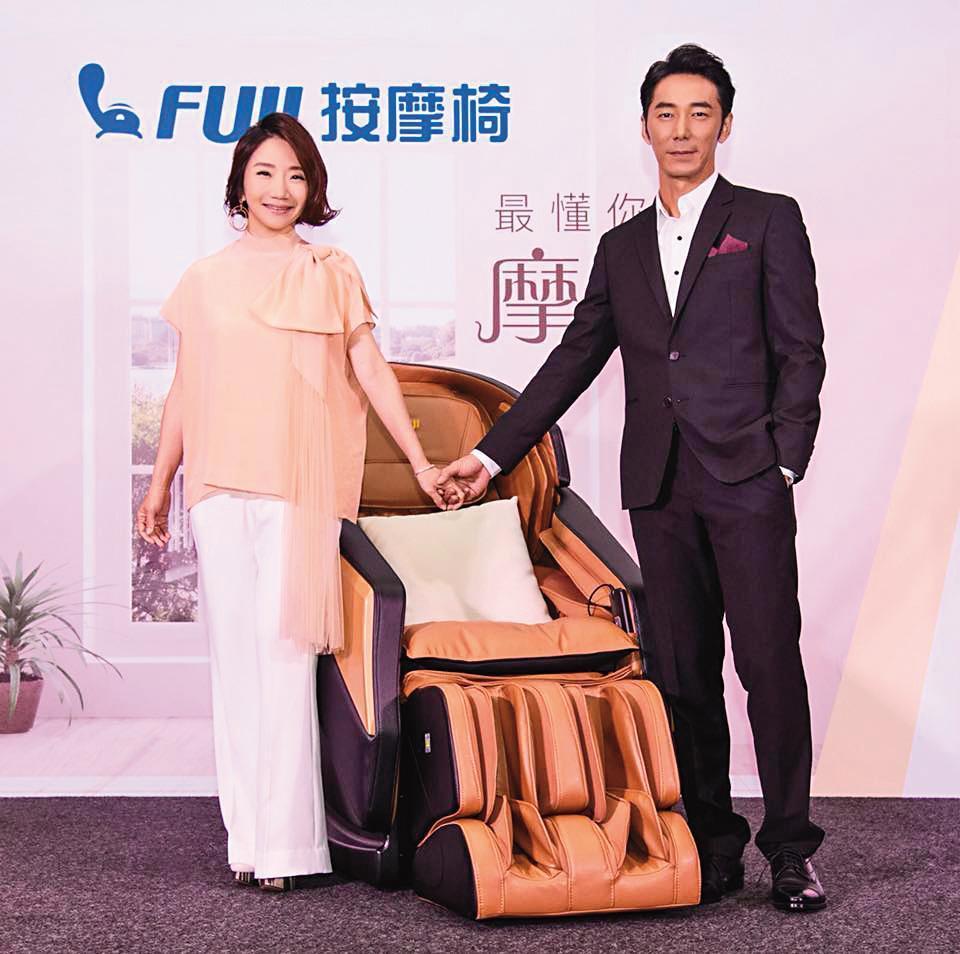 李李仁(右)和陶晶瑩(左)結婚多年,但感情仍相當甜蜜。(翻攝自陶晶瑩粉專)