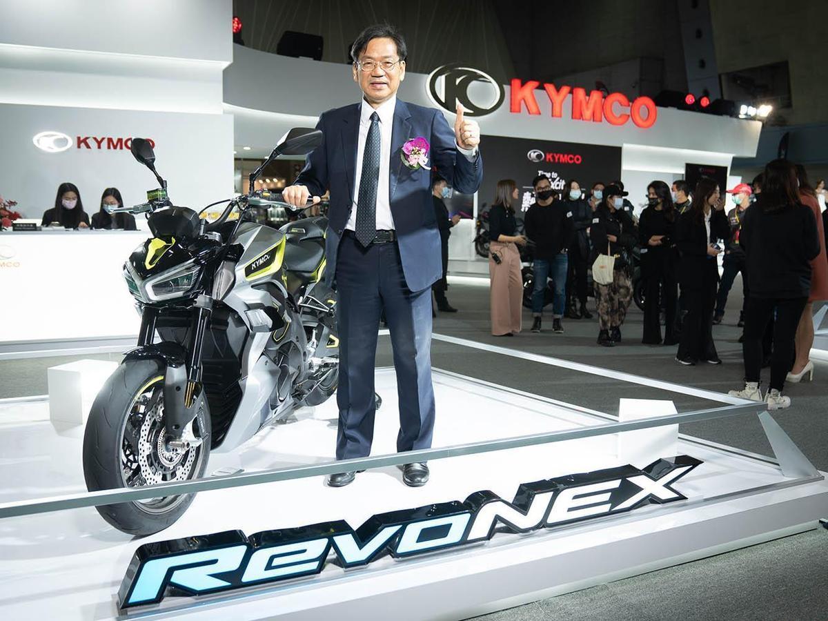 在19年米蘭車展上發表的電動紅牌RevoNex也現身五股工商展覽館。