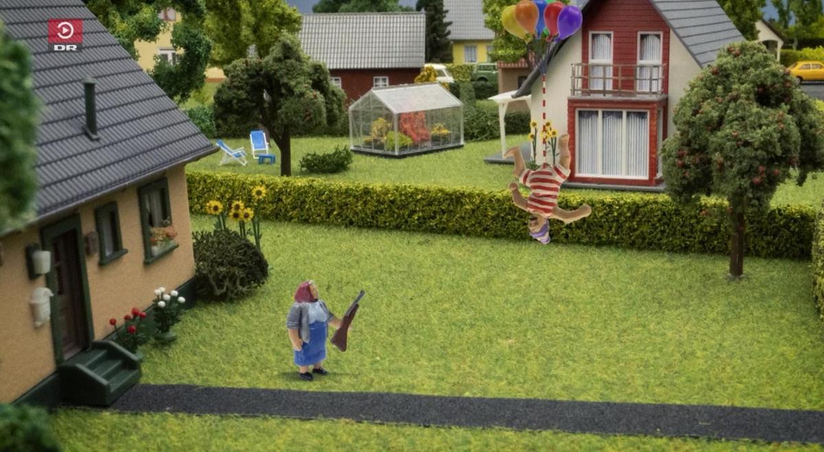 丹麥兒童動畫講述一個男子有一根超長陰莖的故事,引發話題熱議。(翻攝自DR網站)
