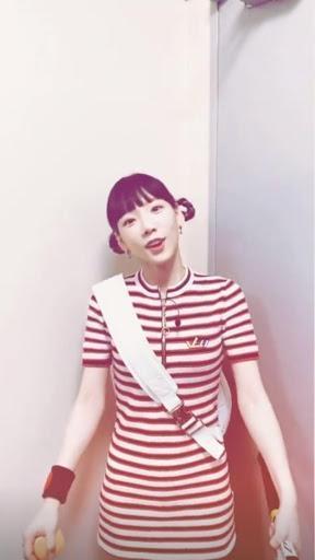 太妍在IG向乃乃佳示愛,還模仿她的造型與唱歌的模樣。(翻攝自太妍Instagram)