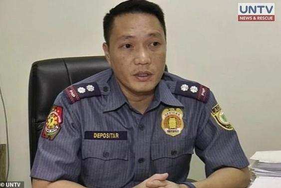 第一時間朝性侵偵辦的警長戴波西塔遭解職。(翻攝自UNTV)