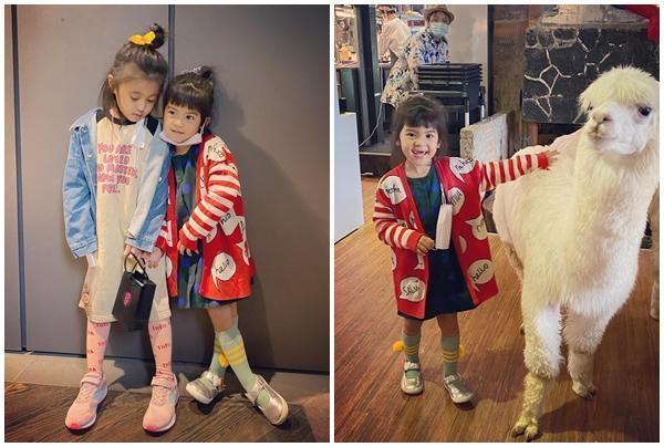 咘咘已經有小姊姊的模樣,Bo妞正值換牙期,笑起來超可愛。(翻攝自賈靜雯臉書)