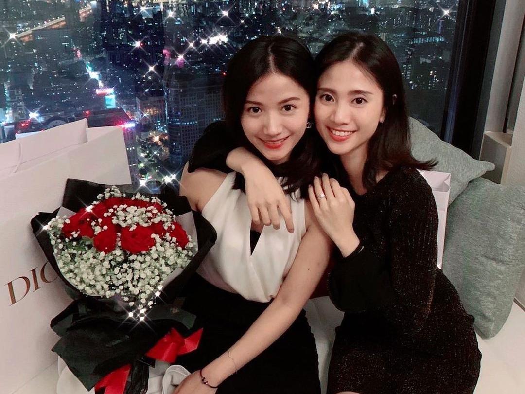 胡亦嘉嬌妻莊郁琳和姊姊兩人都數度被PTT表特版選為女神。(翻攝自IG)