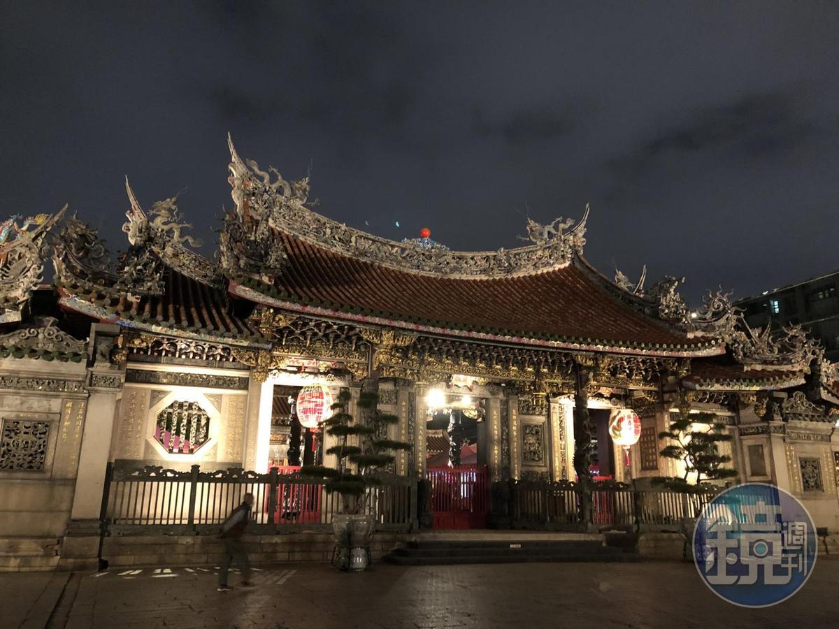 台北市萬華區的龍山寺特別適合單純想談戀愛、要找男女朋友的民眾。(本刊資料照)