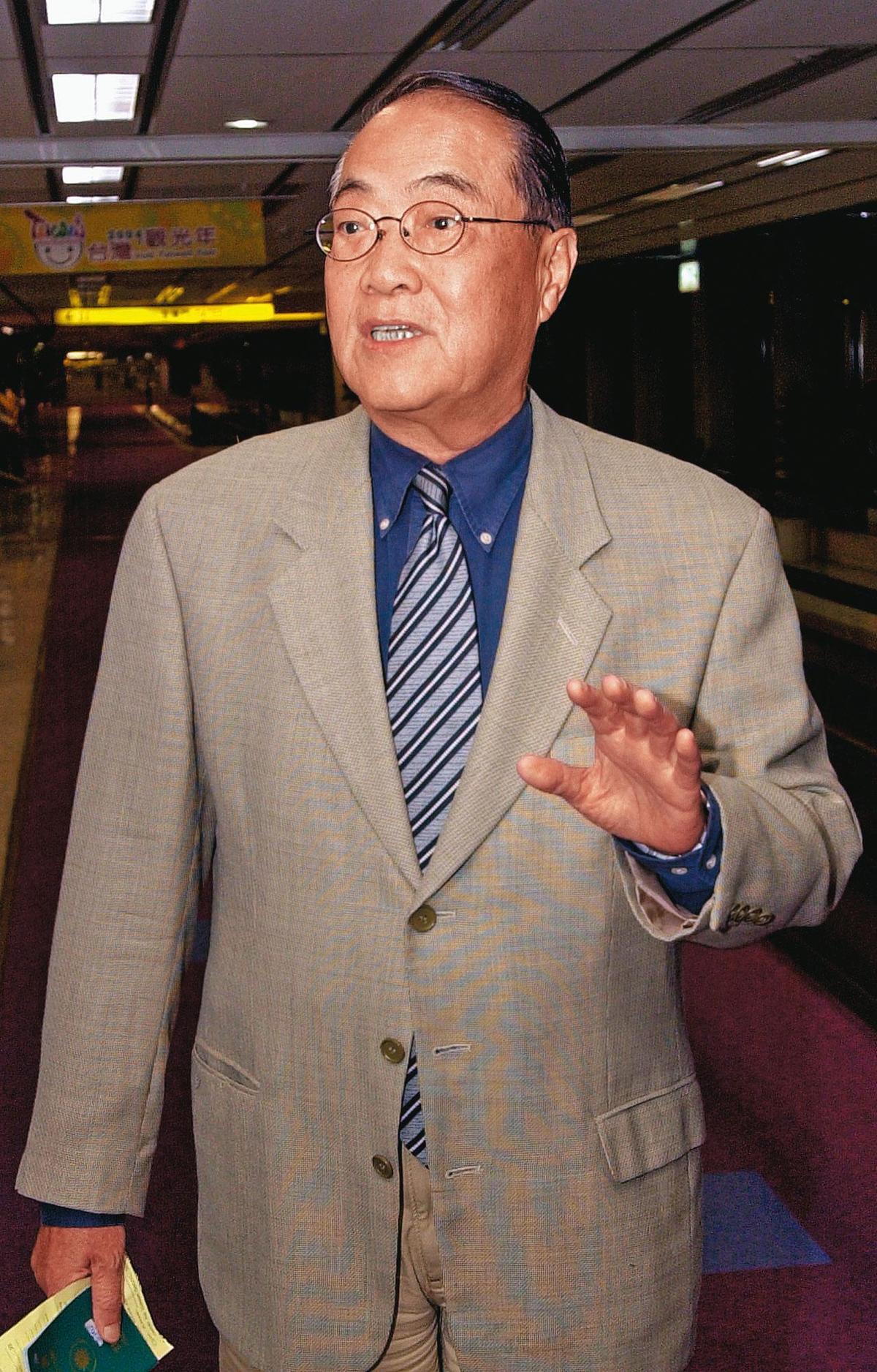 前海軍上將顧崇廉(圖)在翁茂鍾的買股名單上,以金素娟名義買了20張佳和集團股票。(聯合知識庫)