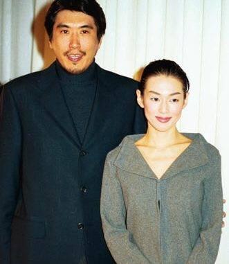 鈴木保奈美與石橋貴明在1998年結婚。(網路圖片)