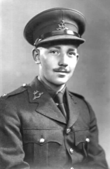 摩爾在二戰期間參加英國陸軍。(翻攝Sir Tom Moore官網)