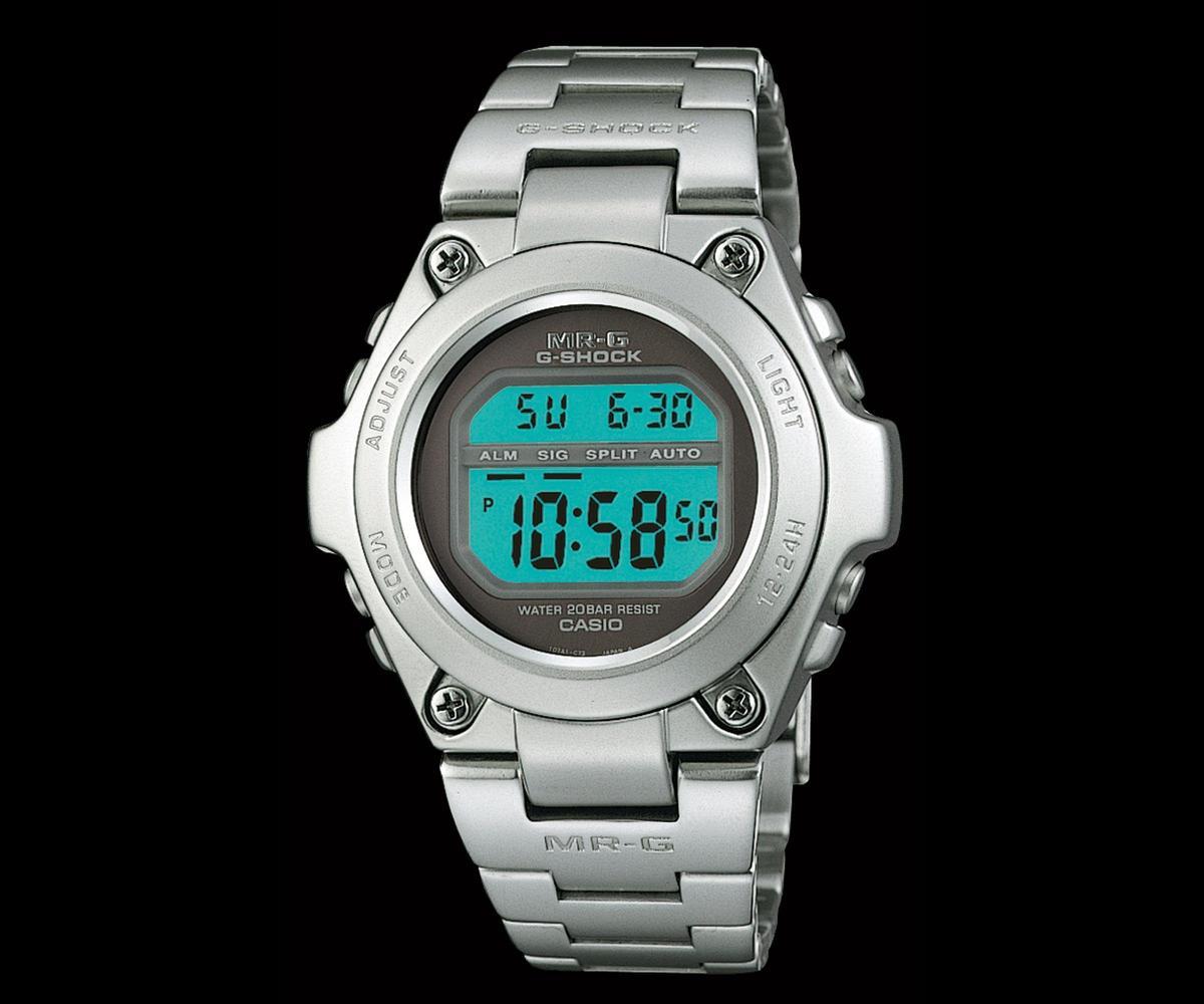 1996年第一款全金屬的G-SHOCK:MRG-100,是近代MR-G系列的始祖,也為品牌金屬化打下良好基礎。