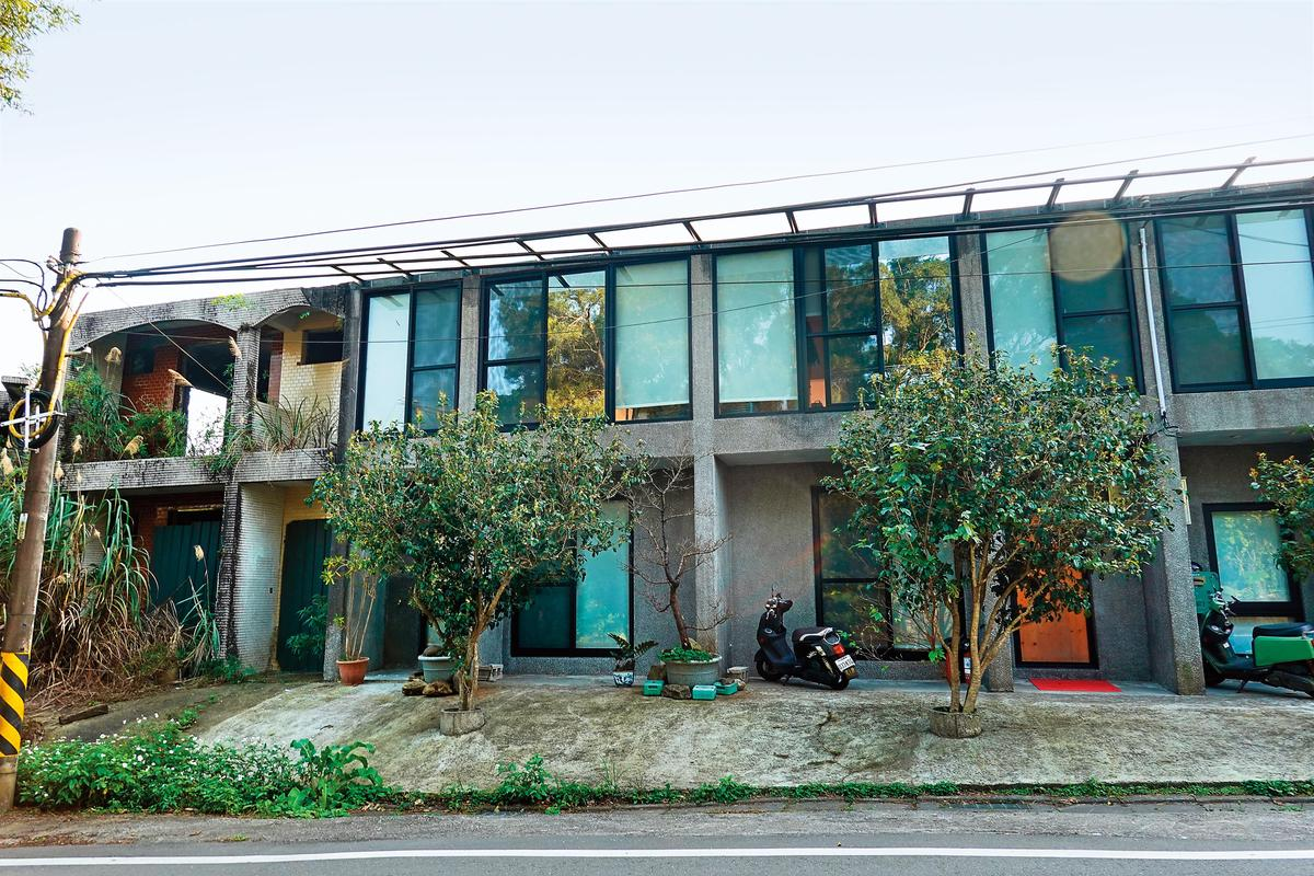 李康生和蔡明亮合資近2,000萬元買下只有地上權的房子。