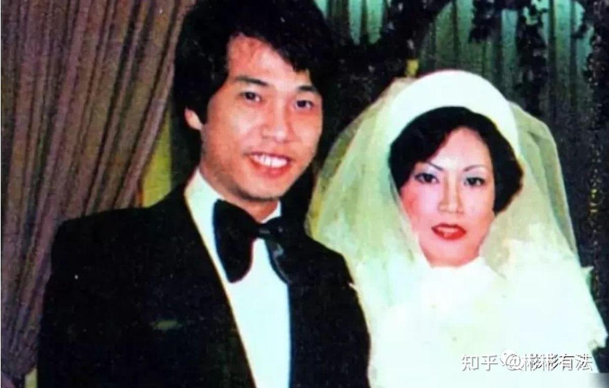 網上流傳的吳孟達與第一任妻子麥莉莉結婚照。(網路圖片)