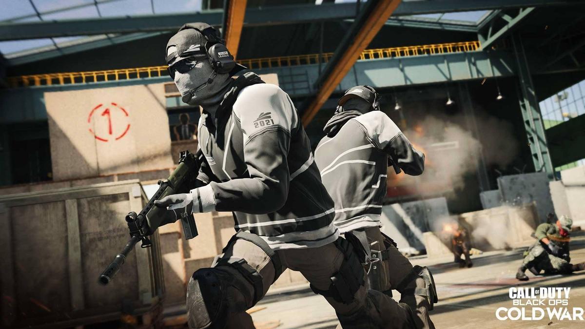 《決戰時刻》是一款第一人稱射擊遊戲,就連逃犯也為了買遊戲甘願冒險上街。(翻攝自Call of Duty臉書)