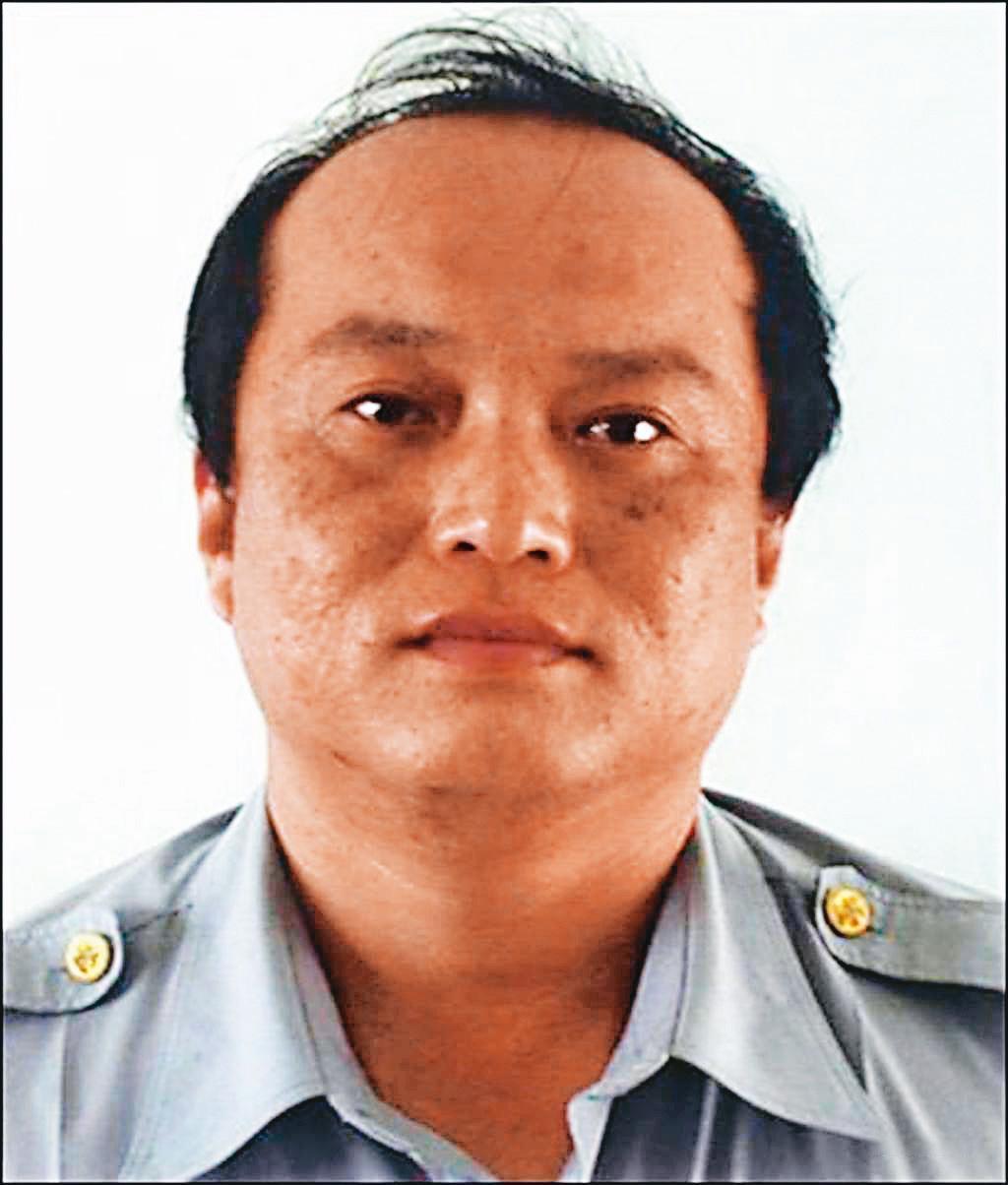犯下雙屍命案的王裕隆,當年是屏東縣警局里港分局高樹分駐所副所長。(翻攝畫面)