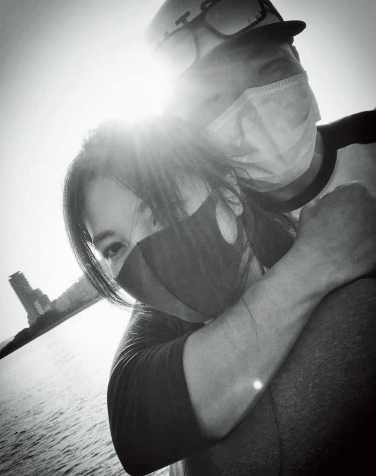 今年情人節,因為太想念老婆,李玖哲(右)難得貼出與相馬茜(左)的合照放閃。(翻攝自李玖哲IG)