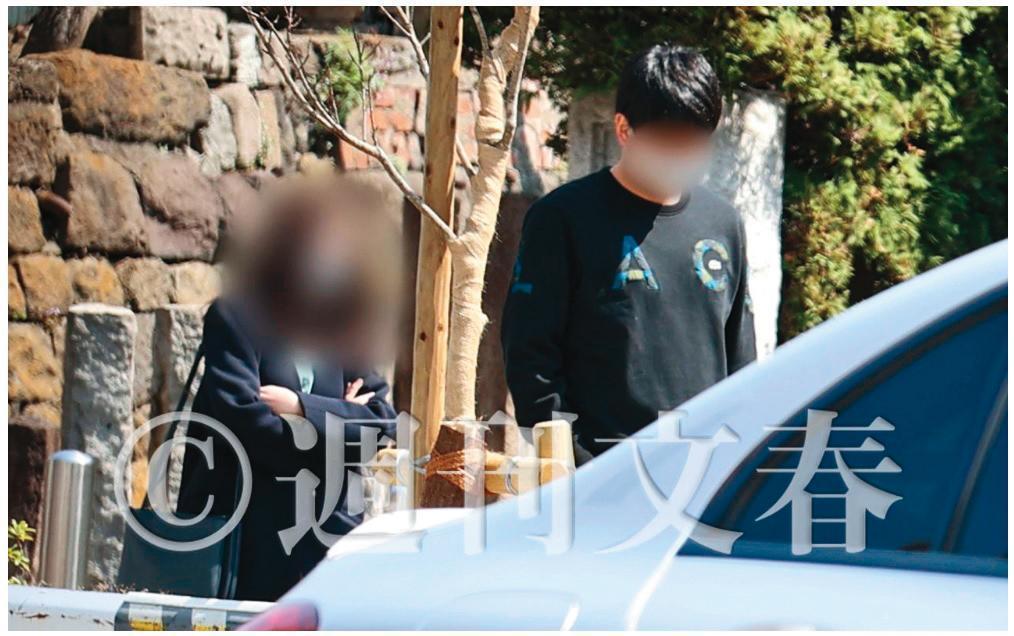 日本《週刊文春》最新報導指出,福原愛疑似不倫的對象「橫濱大谷翔平」(右)其實是有老婆(左)的人。(翻攝自週刊文春)