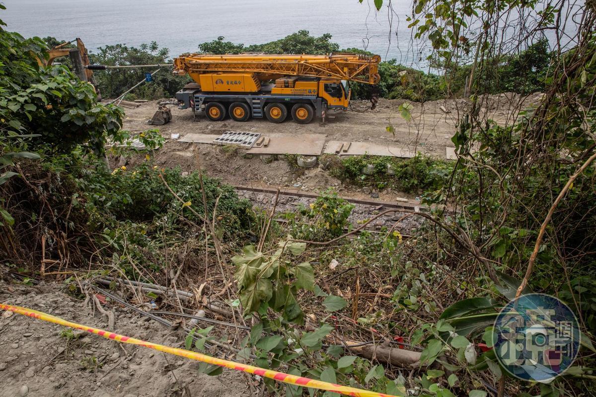 工程車停放在斜坡上釀成這次嚴重事故,運安會與檢方積極調查判還原真相。