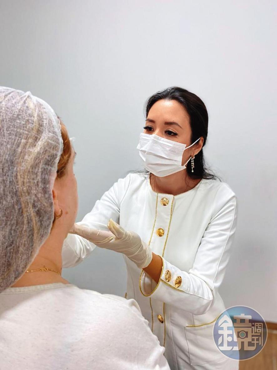 離開台灣演藝圈後,Liz就回巴拉圭結婚並念醫學,目前已是一位整形醫師。