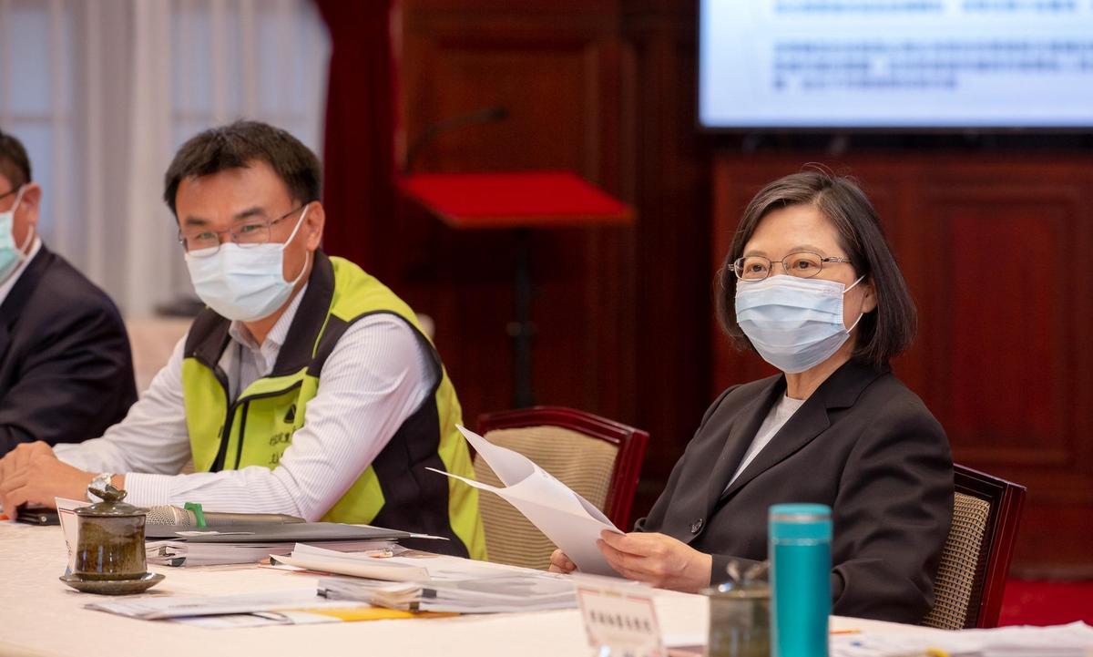 蔡英文表示,大家都提出了深刻的觀察,她也感受到政府同仁用心的思考和回應。(翻攝自蔡英文 Tsai Ing-wen臉書)