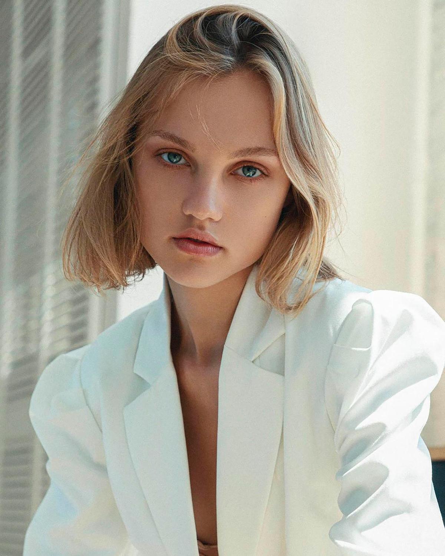 塔蘭面容姣好,是烏克蘭時裝模特兒。(翻攝IG)