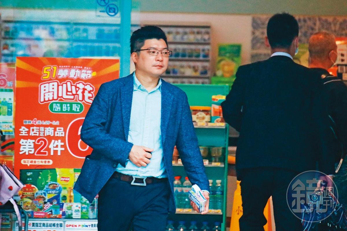 劉彥君(圖)上班時間常不在辦公室,政風人員一出動就逮到他1週2次出入飯店及摩鐵。