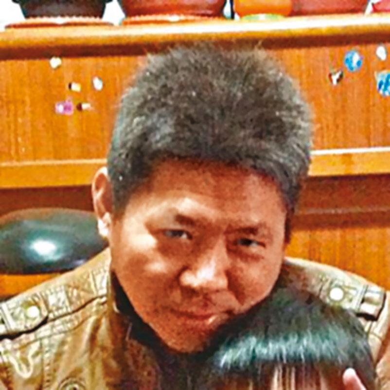 時任大寮監獄戒護科長的王世倉(圖),被控派人把柯文芳帶出工場送死。(翻攝畫面)