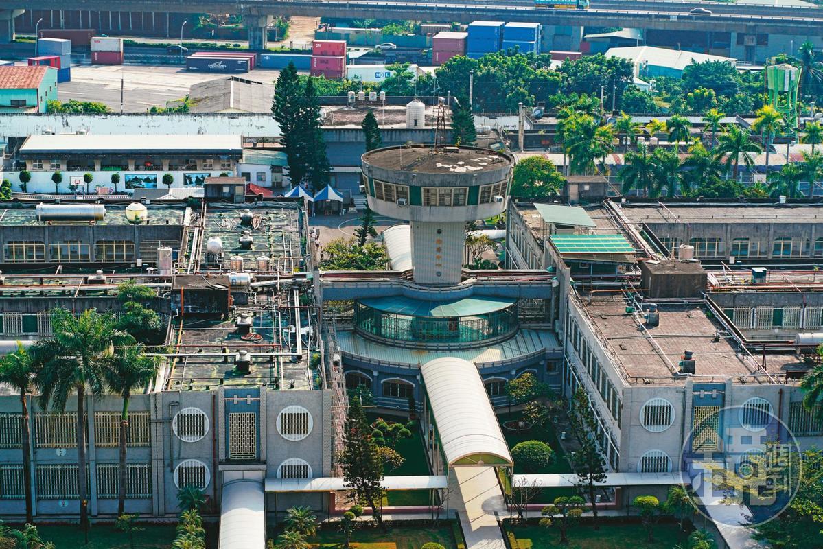 高雄大寮監獄2015年發生台灣獄政史上首次監獄幹部被挾持事件。