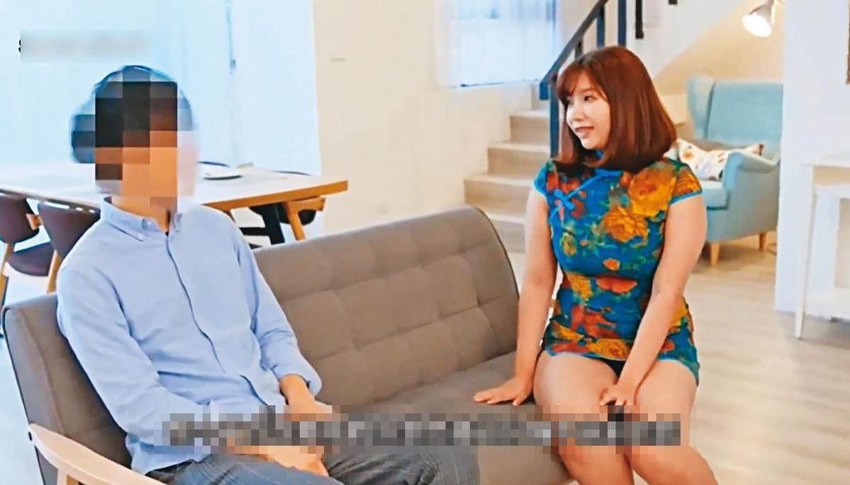 吳夢夢(右)曾拍攝多部無碼成人片,提供粉絲付費觀看,在台灣AV界頗有名氣。(翻攝吳夢夢自製影片)