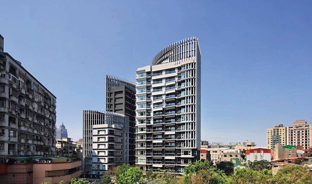 曾莞婷去年購入的豪宅,實價登錄平均要價8,500萬元以上。(翻攝自建案臉書)