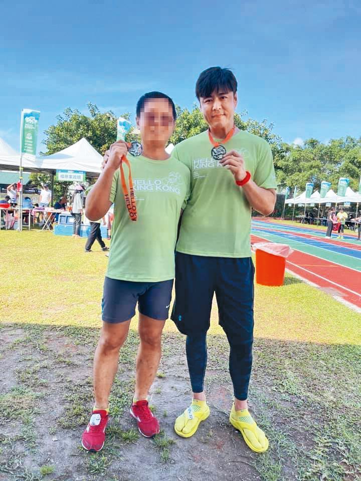 劉至翰(右)認為自己是個過動兒,只要是運動都會去接觸。