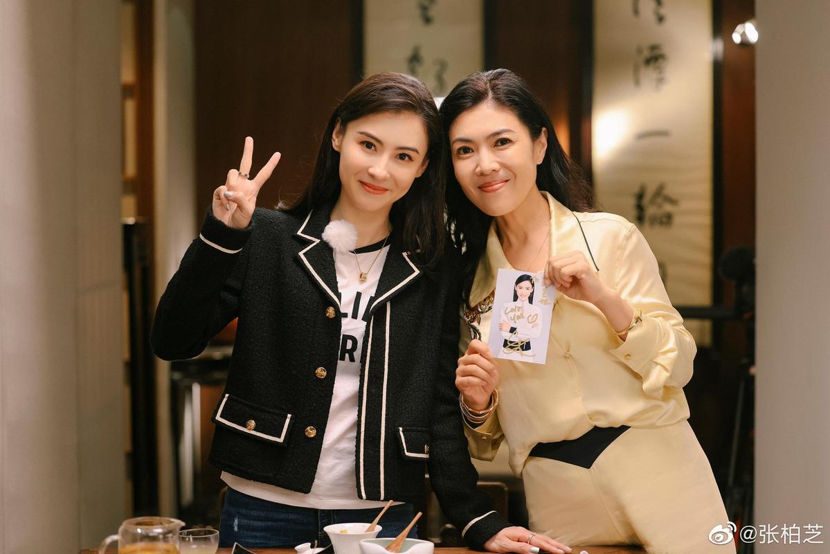 張栢芝上陸綜《了不起的姐姐2》大爆與周星馳合作的內幕。(翻攝自張栢芝微博)
