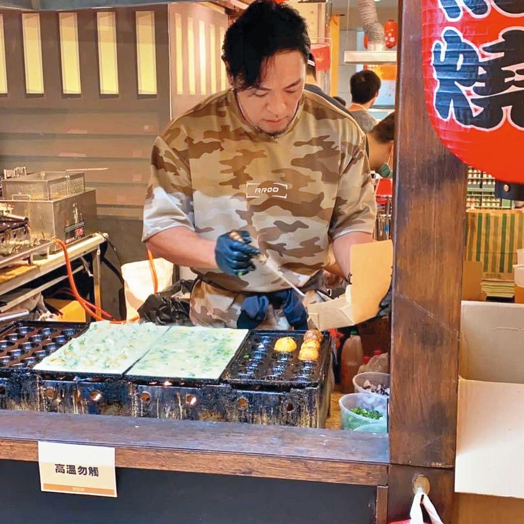 夢多來台發展後,近年積極拓展副業,也開設章魚燒店。(翻攝自夢多IG)