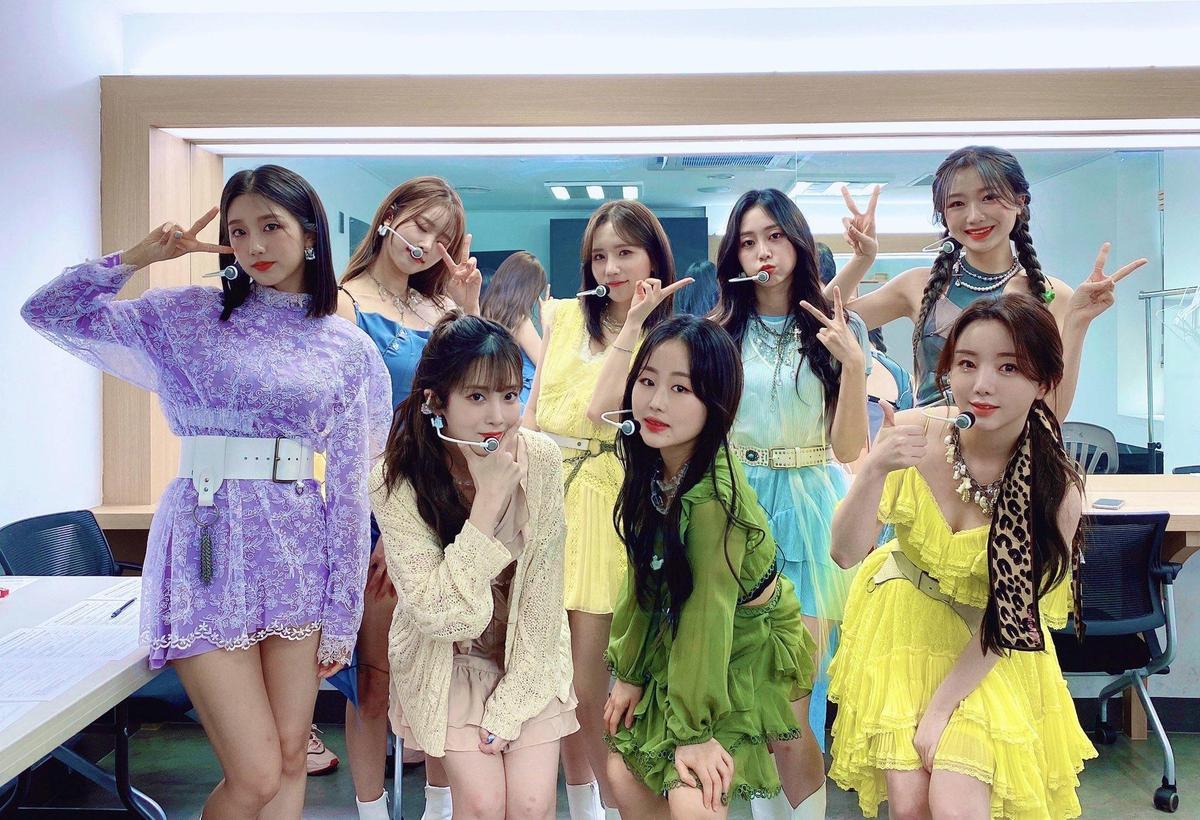 LOVELYZ在上週日(20日)還曾參加Kpop SuperFest線上演唱會活動。(翻攝自lovelyz推特)