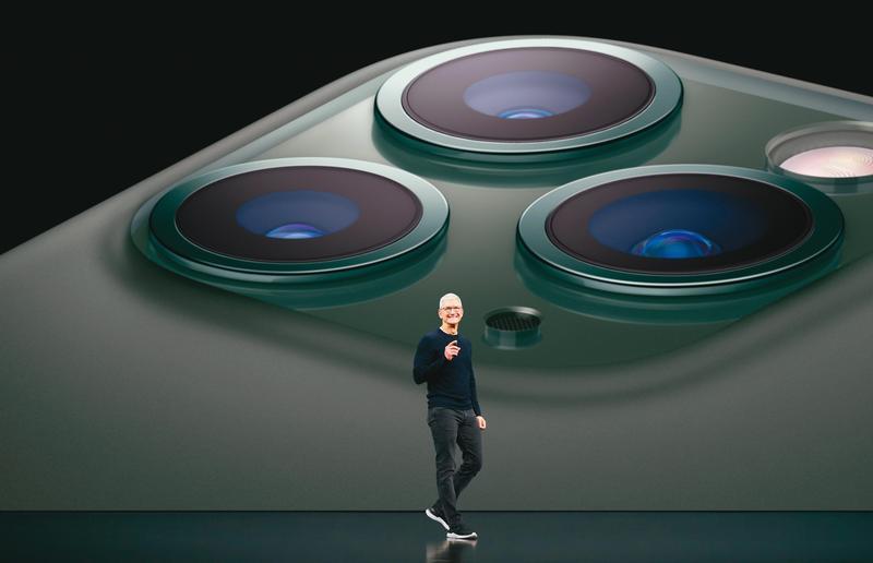 蘋果執行長庫克(Tim Cook)一直對稱霸AR(擴增實境)產業雄心勃勃。(翻攝自蘋果官網)