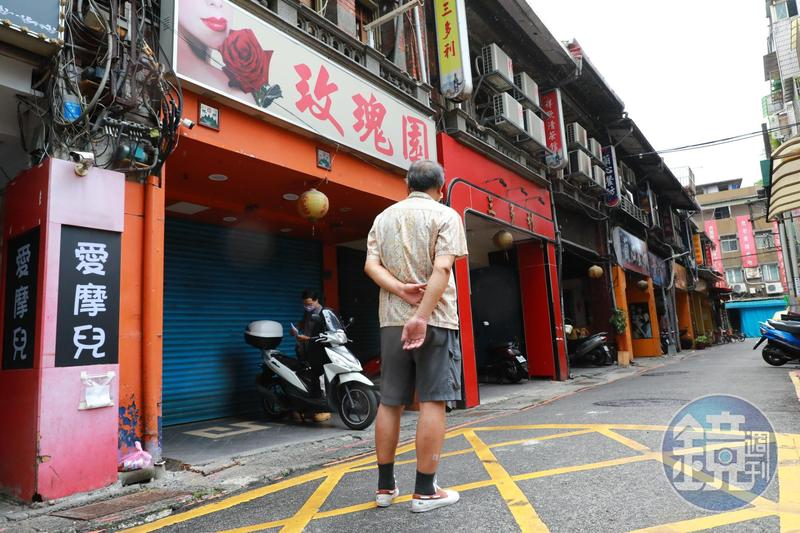 B先生住在萬華10年,和外地友人聊萬華人時,反而是講得比較少的人。
