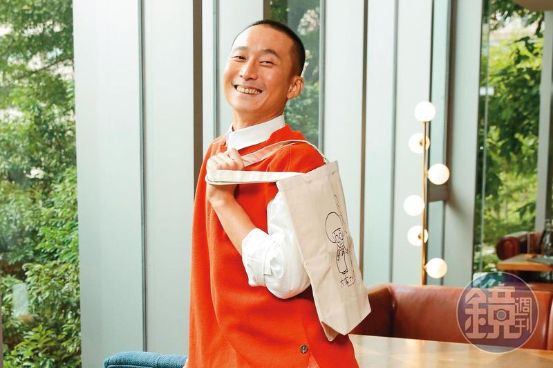 浩子入行多年行事作風低調,對身邊工作人員很照顧。