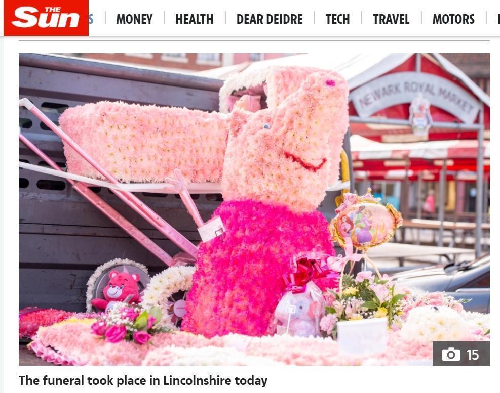 除了佩佩豬,還有愛心小熊花圈、公主氣球。(翻攝太陽報)