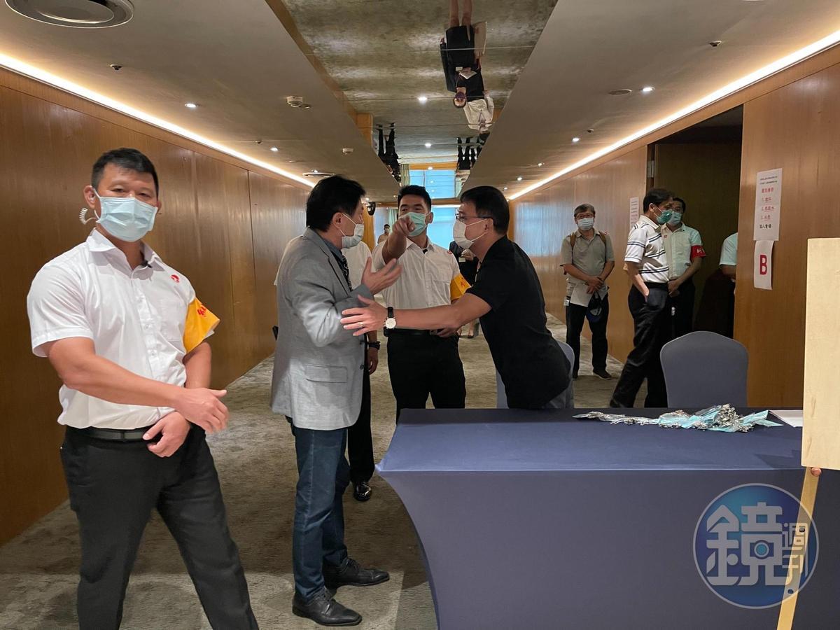 台苯股東會今日戒備森嚴,現場氣氛緊繃。